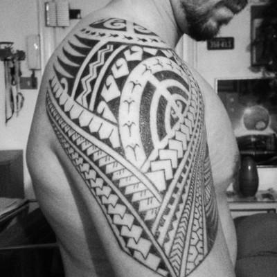 L'arte sacra dei tatuaggi polinesiani