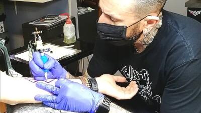 Inchiostri colorati per tatuaggi: il parere scientifico dell'ECHA